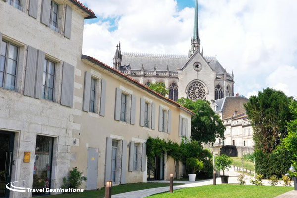 Escorted Tour Offer - St Gelais Hotel Angouleme