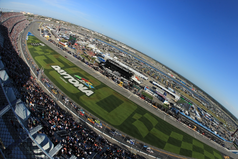 ROLEX 24 LOUNGE EXPERIENCE